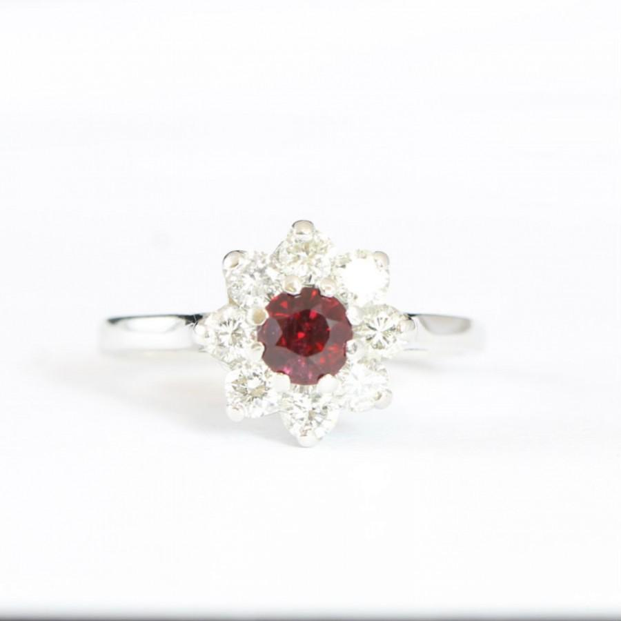 Wedding - Antique ruby and diamond daisy ring in 18 carat white gold vintage