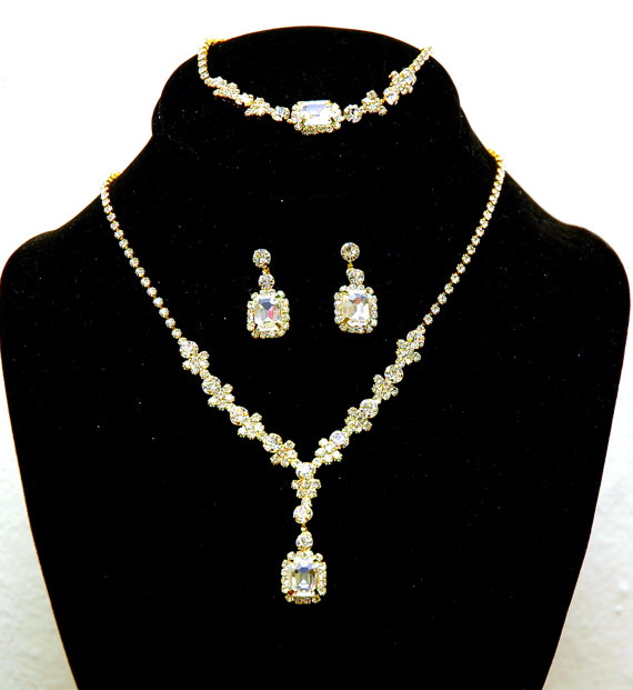 Wedding - Gold Rhinetone Necklace set, Bridal Necklace, Wedding Jewelry Set, Delicate Necklace and Earrings