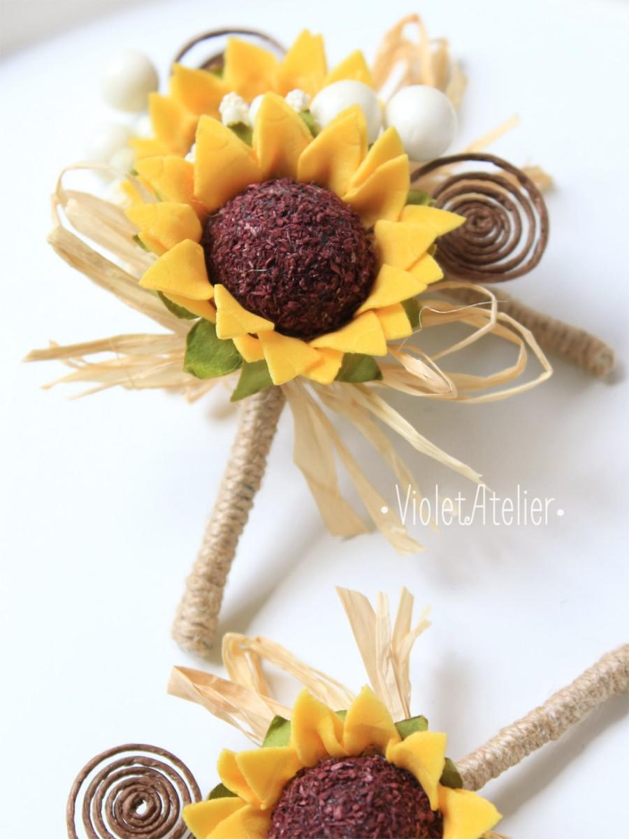 Mariage - 3 Rustic Sunflower Boutonnieres, Set of 3 Groom and Groomsmen Boutonnieres, Sunflower Wedding Accessories, Sunflower Brown Swirl Buttonholes