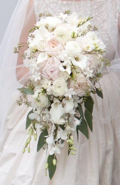 Hochzeit - Blush and White Cascading Bridal Bouquet