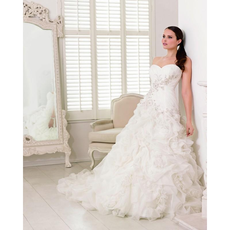 Mariage - Charming A-line Sweetheart Embroidery Ruching Sweep/Brush Train Organza Wedding Dresses - Dressesular.com