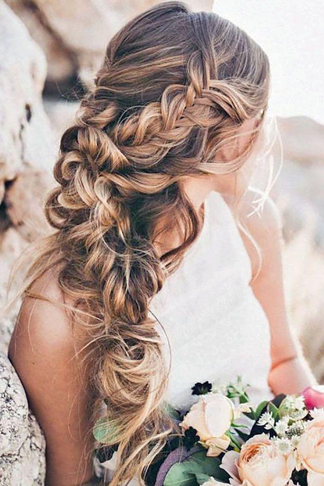 18 Chic And Easy Wedding Guest Hairstyles 2647128 Weddbook