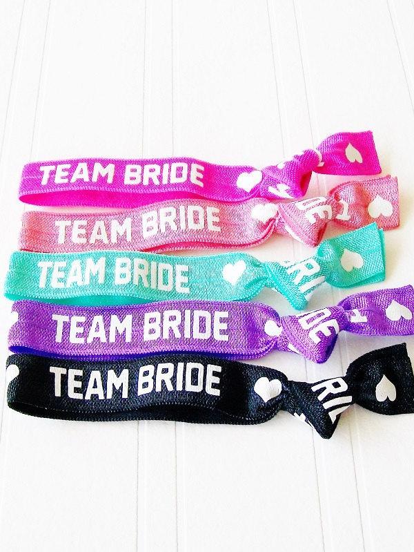 Свадьба - Team Bride Hair Ties, Bridal Shower, Bachelorette Party , Wedding Day Survival, Thank You, Bridesmaid Gift, MOH, Party Favor, Hangover Kit