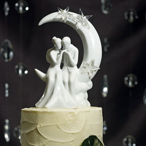 Свадьба - Written In The Stars Bride and Groom Wedding CakeToppers-Fly me to the moon Porcelain Couple Romantic Figurines With Glass Stars Decorations