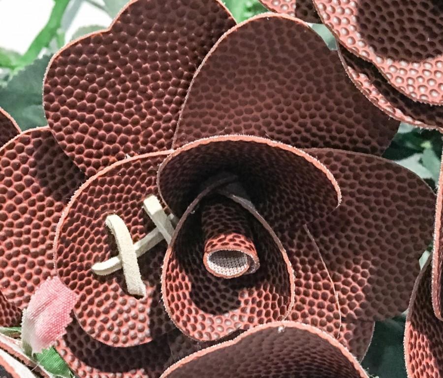 Свадьба - Football Roses - handnade dozen roses