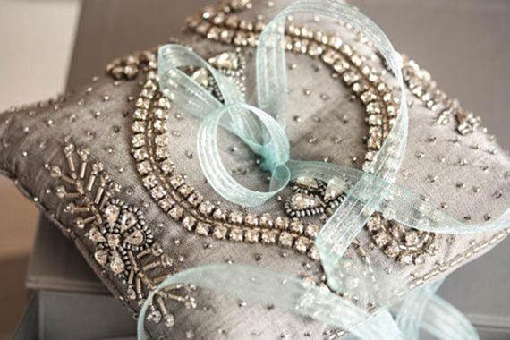 Свадьба - Wedding Ring Bearer Pillow - Neivo Grey (Made to Order)