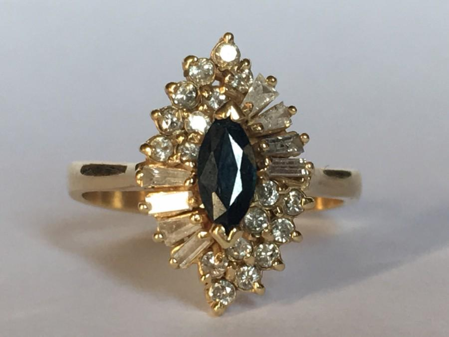 Mariage - Vintage Sapphire and Diamond Halo Ring. 14K Yellow Gold. Unique Engagement Ring. September Birthstone. 5th Anniversary Gift. Estate Jewelry
