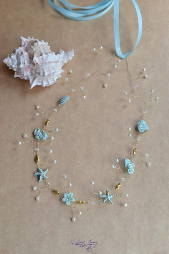 Mariage - Seashell Wedding crown Beach bridal crown Light blue hair wreath Mermaid crown Summer wedding Starfish Beach wedding hair accessories