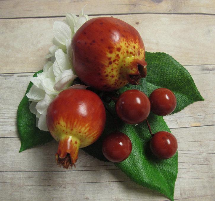 Mariage - Rockabilly pomegranates hair Cluster Clip - Carmen Miranda Style - Burlesque - retro -