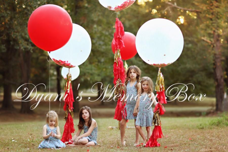 """Mariage - 36"""" Round Latex Balloon with Tassel Tail / Huge Confetti Balloon with Tassels / Biodegradable Latex Huge Balloon / 3' Luxury Balloon"""