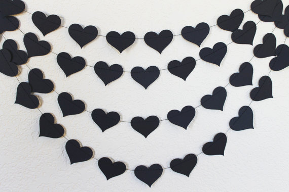 Mariage - Black Heart Wedding Garland, Black Bachelorette Party Decorations, Paper Hearts Birthday Party, Bridal Shower Decor, Photo Booth Backdrop