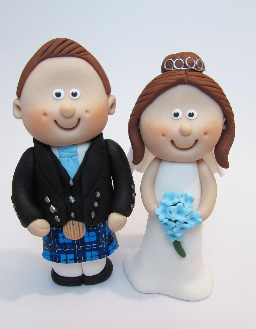 Свадьба - Scottish Bride and Groom Wedding Cake Topper, with Tartan of your Choice, Novelty Topper, Handmade Mini Topper