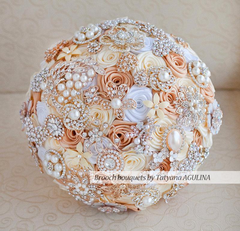 Hochzeit - Brooch bouquet. Ivory, White and Gold  wedding brooch bouquet, Jeweled Bouquet. Quinceanera keepsake bouquet