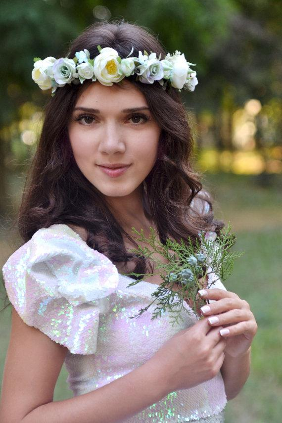 Mariage - Bridal flower crown Pastel wedding flower crown Bridal floral halo Roses ranunkulyus hair wreath