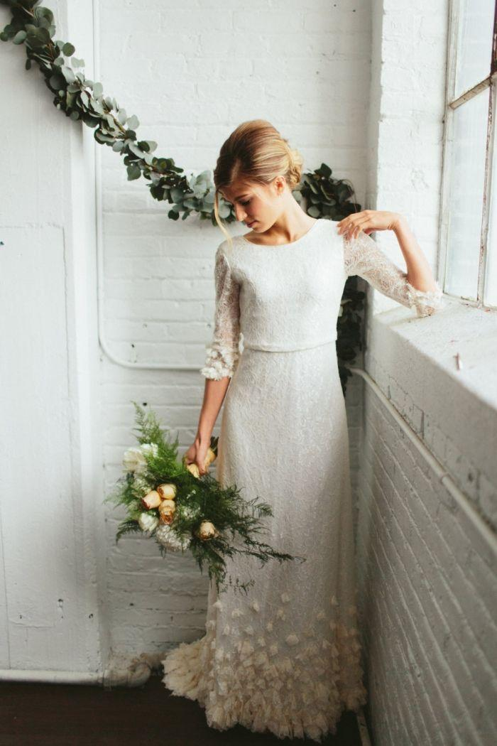 Boda - 10 Timeless Lace Gowns That We Adore