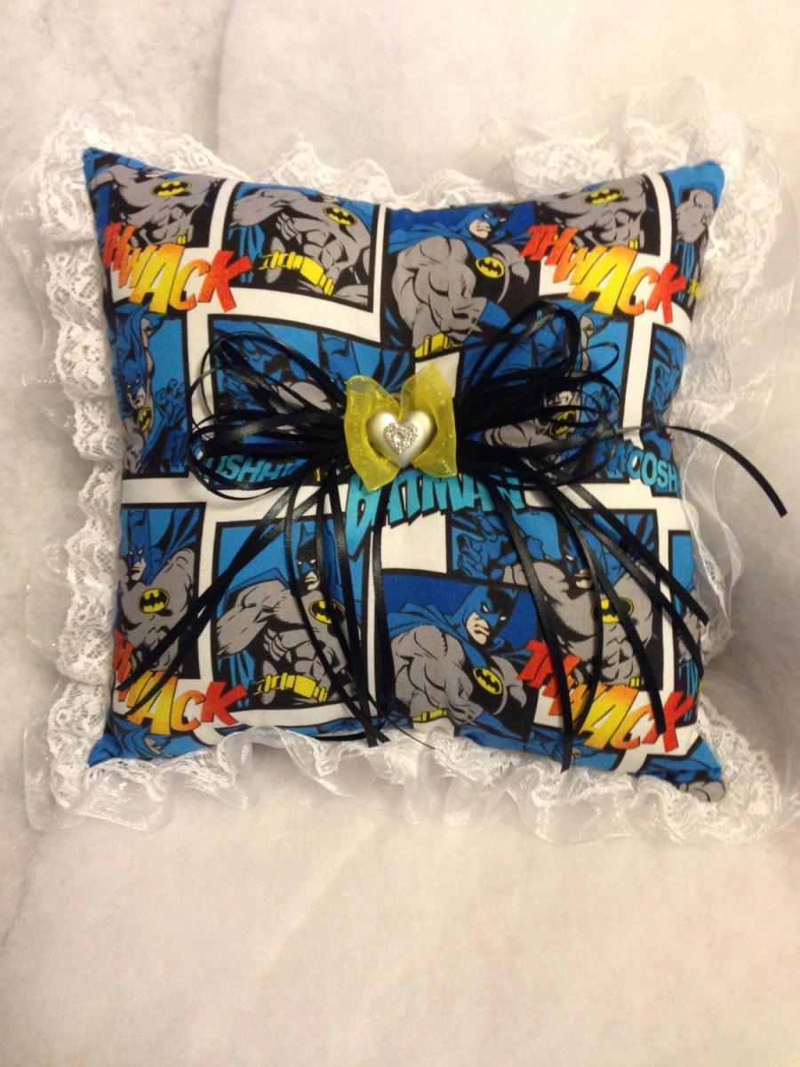 Mariage - Custom Batman Vintage DC Wedding Ring Bearer Pillow