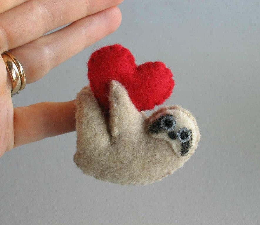 Düğün - Valentine Sloth miniature felt plush stuffed animal with bendable legs and hand painted face -tan-rain forest animal