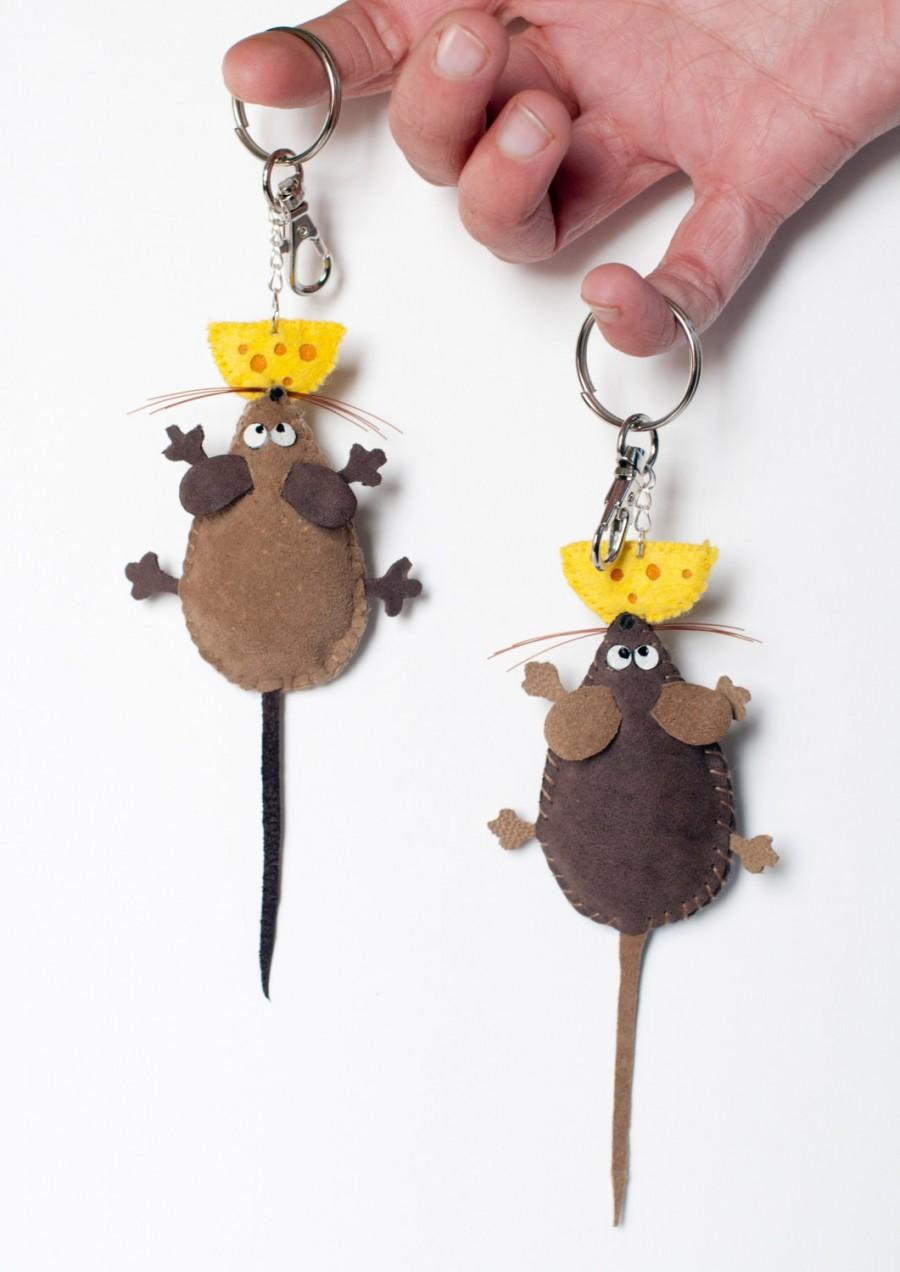 Hochzeit - Bag charm Mouse miniature animals leather keychain purse charm hangbag keyring funny gift unique accessory