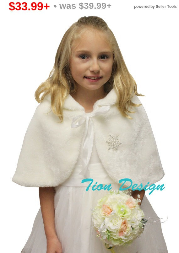 Mariage - Valentine Sale Ivory Faux Fur Cape for Flower Girls with Handmuff, faux fur wrap, faux fur cape, bridal cape, wedding cape
