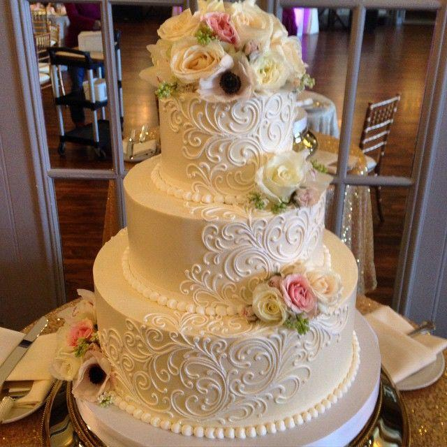Cake the white flower cake 2649967 weddbook the white flower cake mightylinksfo