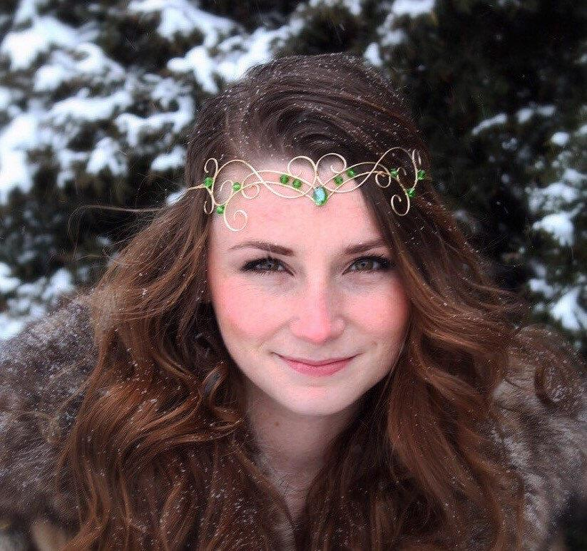 Свадьба - Elfin Tiara, Forehead Crown, gold wire with green beads