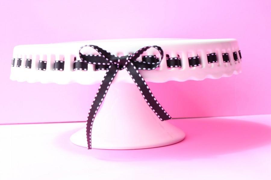 Mariage - CAKE STAND / white glass with black stitch ribbon / wedding decor / cake pedistal / desert stand / wedding cake stand / cupcake stand