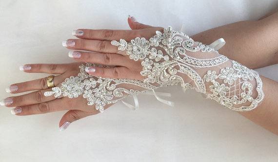 Wedding - FREE SHIP Ivory Wedding gloves hand emroidered bridal gloves lace gloves fingerless gloves french lace gloves