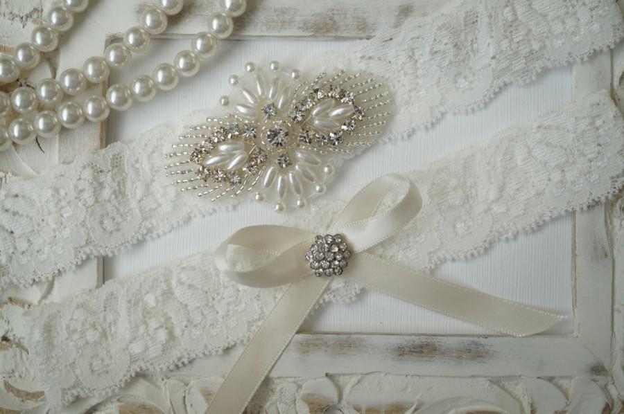 Mariage - Wedding Garter Set, Bridal Garter Set, Vintage Wedding, Ivory Lace Garter, Crystal Garter Set, Something Blue
