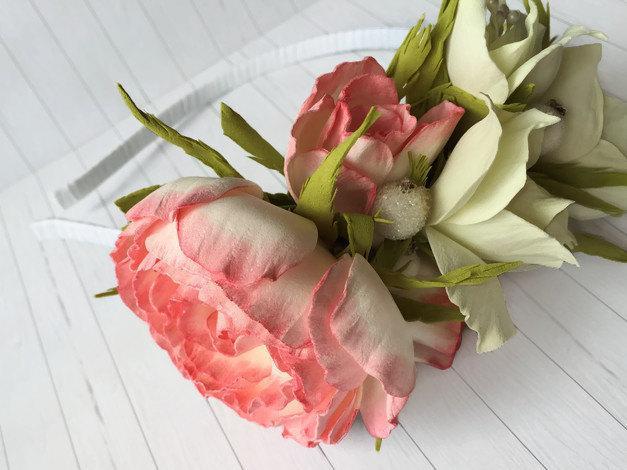 زفاف - Bridal flowers accessory Cottage Chic Flowers Bridal hair accessory Wedding flowers crown Floral bridal headband Coral crown Flower for hair