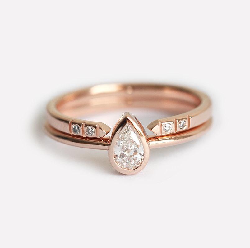Свадьба - Rose Gold Diamond Engagement Ring Set, Pear Diamond Ring With Open Diamond Band, Pear Engagement Ring With Pave Diamond Ring