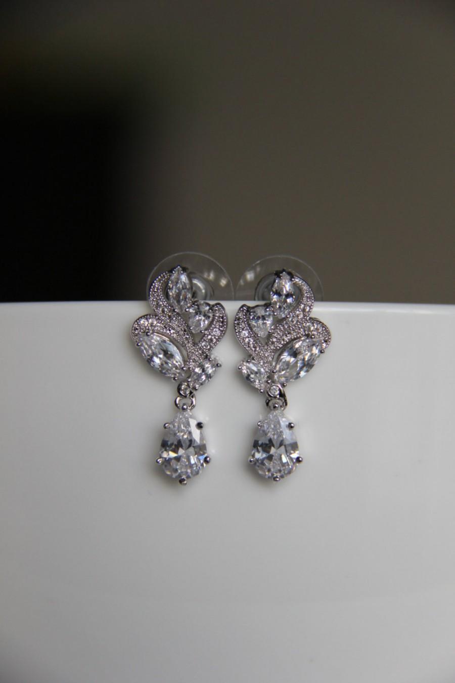 زفاف - FREE SHIPPING - Bridal earrings, cz earrings, wedding earrings, bridesmaid earrings, bridal jewelry, wedding jewelry, cz jewelry, dangley