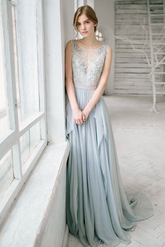 Hochzeit - Silver Grey Wedding Dress // Lobelia