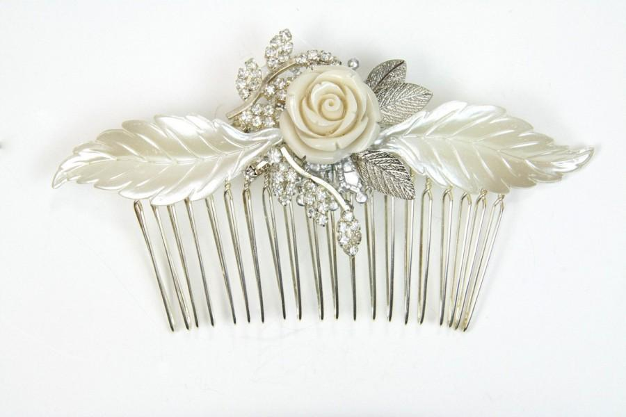 Mariage - Bridal Hair comb Silver Vintage Wedding Hair comb Leafs Flowers and Crystals Flower bridal Rhinestones wedding Haircomb Wedding Hair Comb