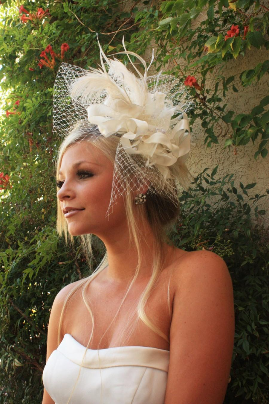 Свадьба - BRIDAL HEADPIECE feather fascinator with Russian Netting and Pearls by Vegas Veils