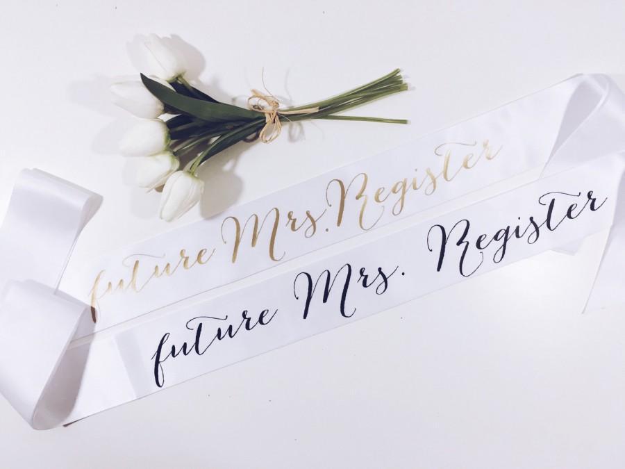 Mariage - Custom Bride Sash..bachelorette gift..bridal shower gift.. bachelorette party sash