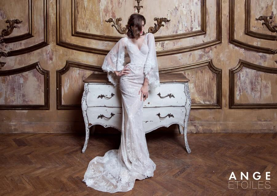 Свадьба - Bridal dress, EMMANUEL, lace weeding dress, lace wedding dresses, lace bridal dress, lace bridal gown