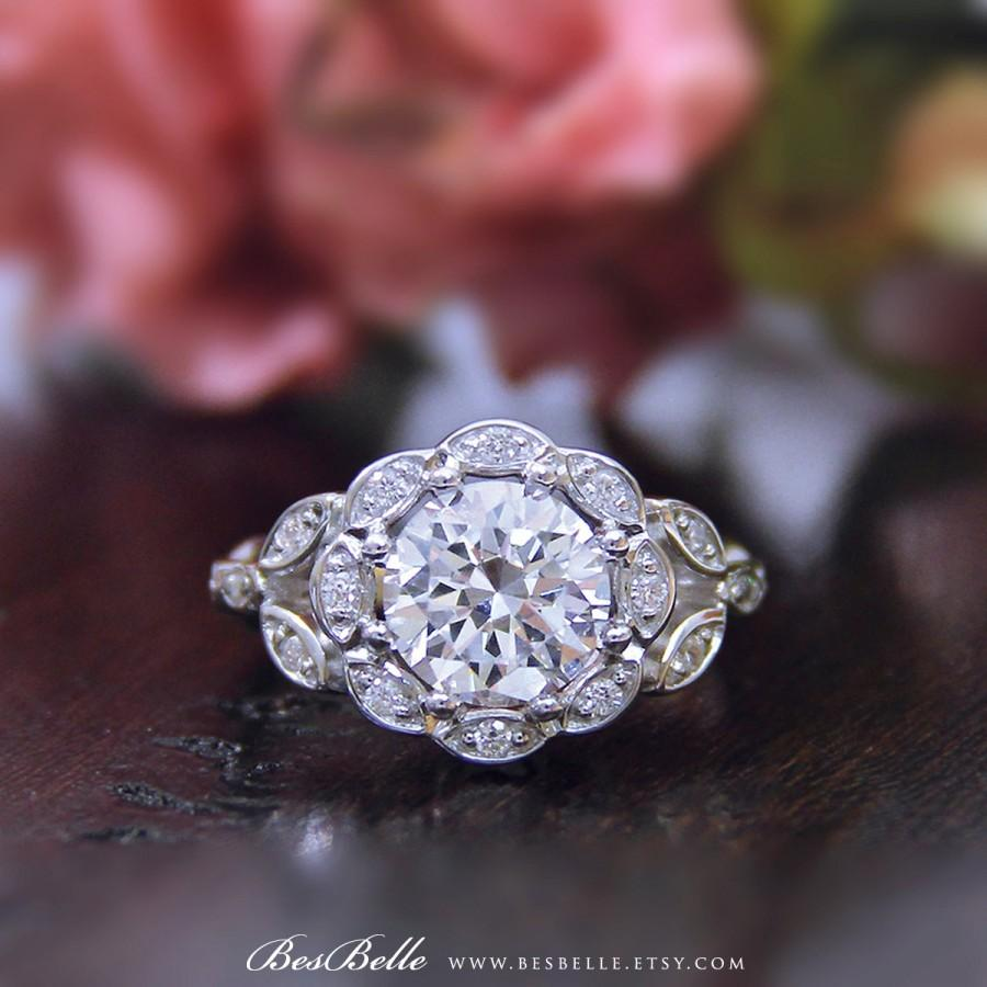 Mariage - 2.30 ct.tw Art Deco Ring-Halo Engagement Ring-Brilliant Cut Diamond Simulants-Bridal Ring-Wedding Ring-Solid Sterling Silver [1651]