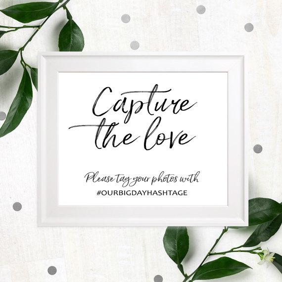 زفاف - Wedding hashtag rustic chic sign-Personalized Help us capture the love wedding sign-Wedding social media stylish Hand lettered Wedding Sign