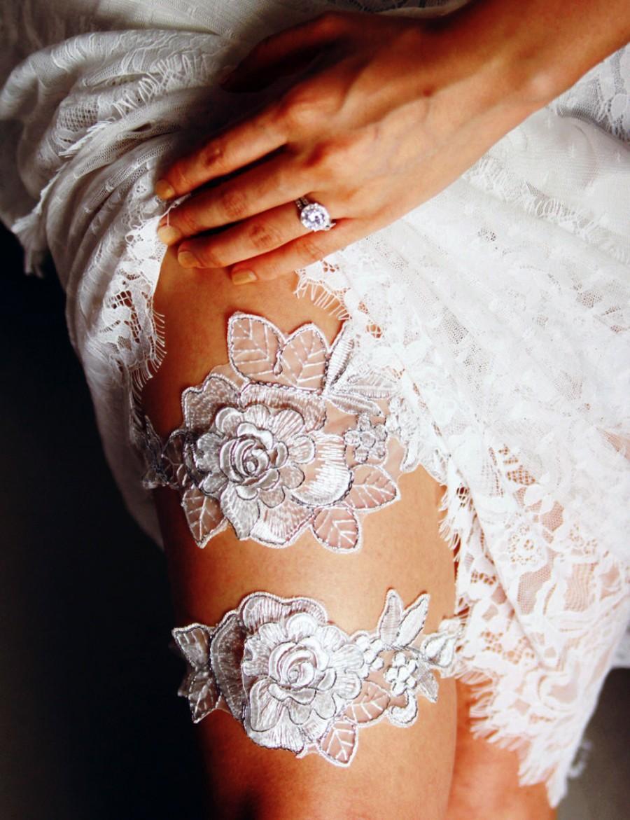 Wedding - Bridal Garter Set Wedding Garters Keepsake Garter Toss Garter - Antique White Ivory Silver Flower Lace Garter Belt