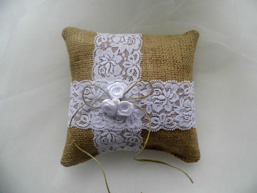 How Do Ring Bearer Pillows Work