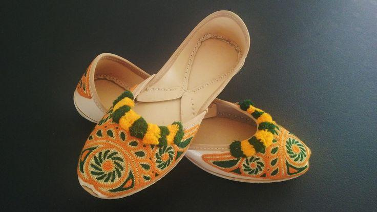 Hochzeit - Fancy Khusa Indian/Pakistani Bridal Sandal Hand Made Ethnic Khussa Juti Size 8.5 Khusa Leather Khusa Wedding Shoe Sandal