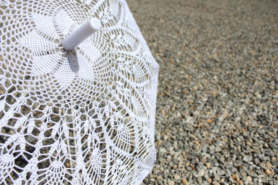Mariage - PINEAPPLES CROCHET . Umbrella crochet White, 100% cotton, Wedding Decorations .  Royal Wedding .Princess wedding Umbrella for the Princess