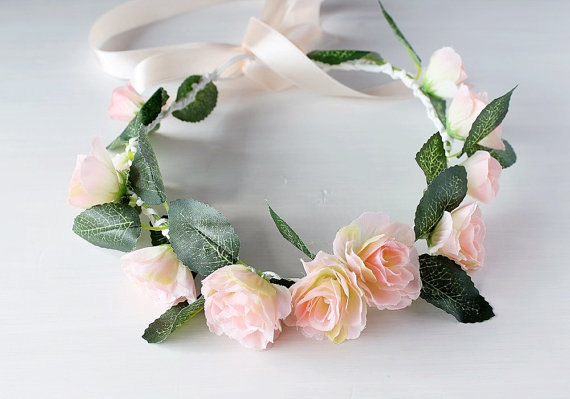 Mariage - Peach Rose Crown, Peach Coral Halo, Woodland Bridal Halo, Floral Crown, Flower Girl Wreath, Boho Rose Crown, Festival Crown, Peach Hair Halo