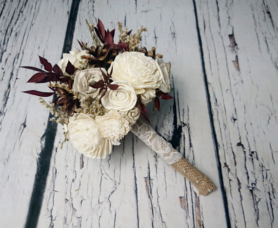 Düğün - Winter autumn wedding rustic woodland small bridal bridesmaid BOUQUET ivory Flowers pine cones sola roses burgundy leafs lace pearl pins