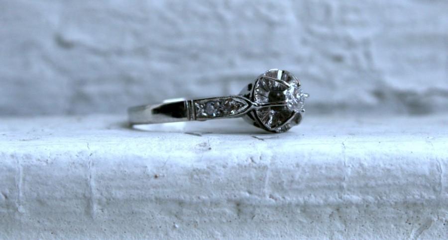 Mariage - Antique Platinum Engagement Ring - 0.23ct.