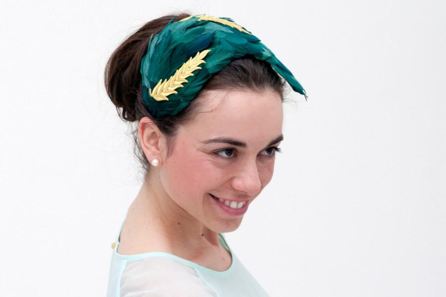 Mariage - Vementry -Green Headband made with feathers and detail of golden leaves