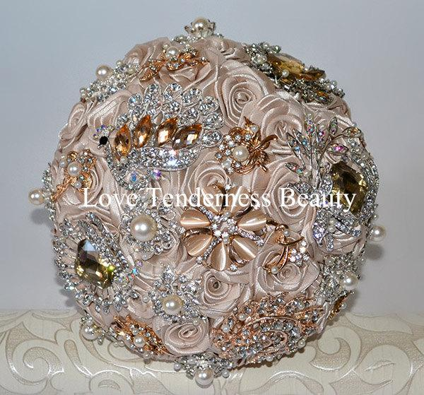 Mariage - Brooch Wedding Bouquet, Bridal Bouquet, Beige Wedding Bouquet, Champagne Wedding Bouquet, Pearl Wedding Bouquet, Gold Silver Wedding Bouquet