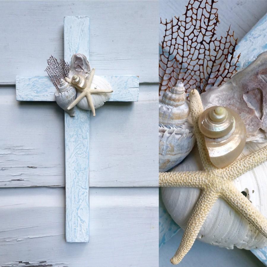 Mariage - Seashell Cross on Reclaimed Wood/Beach House Decor/Beach Wedding Cross