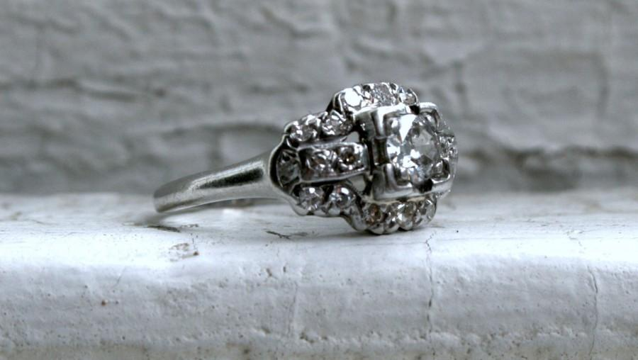 Mariage - Lovely Art Deco Platinum Diamond Ring Engagement Ring - 0.78ct.