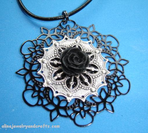 Свадьба - Bridesmaid necklace with filigree and black rose